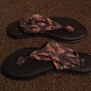 Sanuk Shoes - Size 9 Sanuk Sling Yoga Flip Flops- New